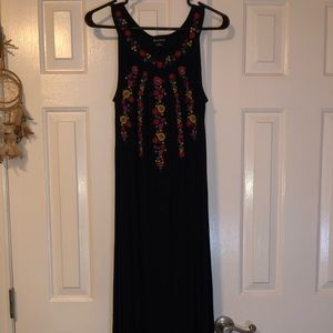 New Directions Maxi Floral Dress
